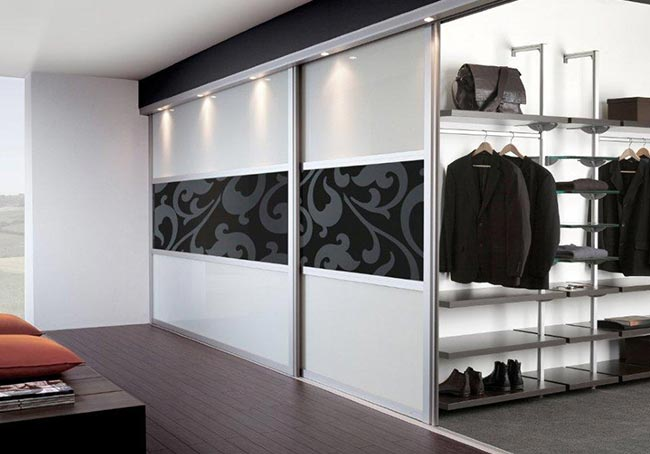 CTi-Sliding-Wardrobes-installation-03