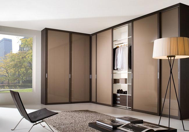 CTi-Sliding-Wardrobes-installation-04